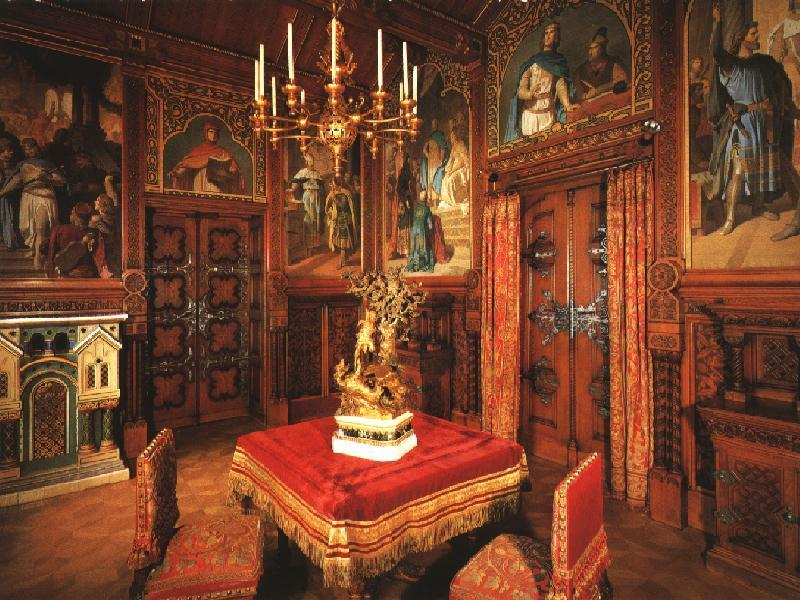 Schloss neuschwanstein the very best of historismus for Interior auf deutsch